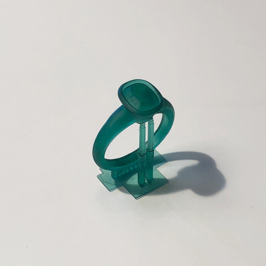plastic-3d-ring-cushion-body-stones
